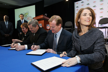 Alexis Glick Commissioner Roger Goodell Announces Launch Of The Gen YOUth Foundation