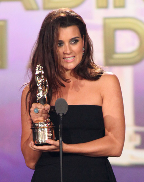 Cote de Pablo Actress Cote de Pablo accepts the award for Favorite TV