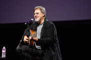 Vince Gill Photos - 1 of 1672 Photo