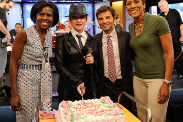"""Robin Roberts George Stephanopoulos Cyndi Lauper Performs On ABC's """"Good Morning America"""" - June 23, 2010"""
