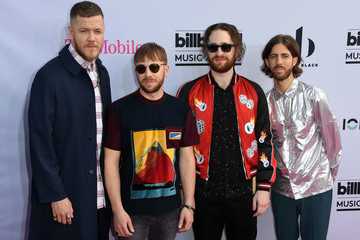 Dan Reynolds 2017 Billboard Music Awards - Magenta Carpet