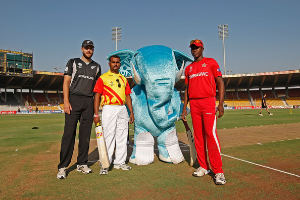 Daniel Vettori Photos - New Zealand v Zimbabwe: Group A - 2011 ICC ...