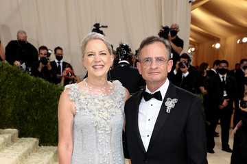 Daniel Weiss Sandra Jarva Weiss The 2021 Met Gala Celebrating In America: A Lexicon Of Fashion - Arrivals
