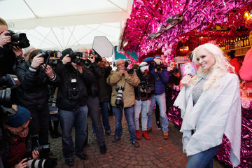 Daniela Katzenberger 'Daniela Katzenberger - mit Lucas im Weihnachtsfieber' Photocall In Cologne