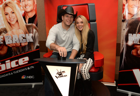 """danielle bradbery dating Danielle bradbery made a spectacular return to the voice stage last night (december 5) — performing one of her brand new songs, """"worth it"""" the country starlet, who won the show in season 4, opened up about what the song's inspiration ahead of the show."""