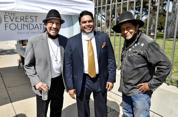 Danny Trejo And Trejos Tacos Partner With The Everest Foundation And The Westside Veteran Administration To Assist Homeless U.S. Veterans [event,white-collar worker,suit,danny trejo,michael everest,veterans,veterans,co-chairman,part,partnership,trejos tacos partner with the everest foundation and the westside veteran administration,the everest foundation,homeless u.s.,danny trejo,photograph,getty images,trejos tacos: recipes and stories from l.a.: a cookbook,image,stock photography,photojournalism,google images,danny bravo]