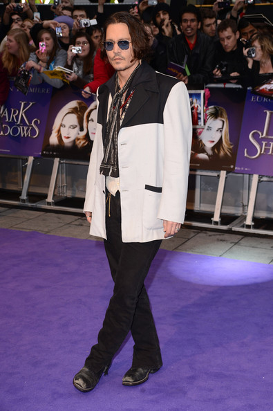 """Actor Johnny Depp attends the European premiere of """"Dark Shadows"""" at Empire Leicester Square on May 9, 2012 in London, England."""