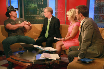 "Dave Briggs Bernie Williams And Trace Adkins Visit ""FOX & Friends"""
