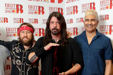 Dave Grohl Pat Smear The BRIT Awards 2018 - Winners Room