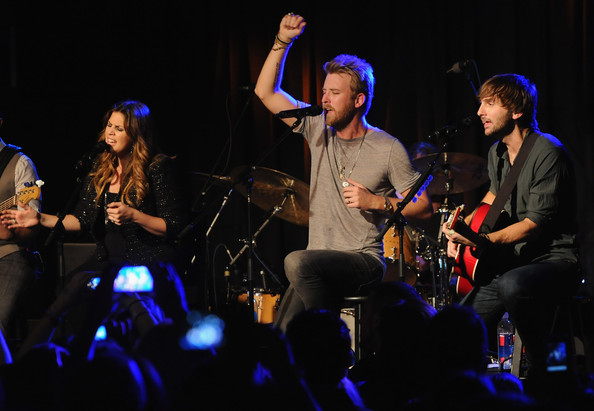 Dave haywood pictures own the night unplugged with lady for Lady antebellum miscarriage how far along