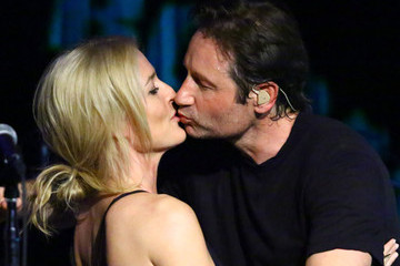 Mulder and Scully from the 'X-Files' Sang and Kissed During a Surprise Reunion