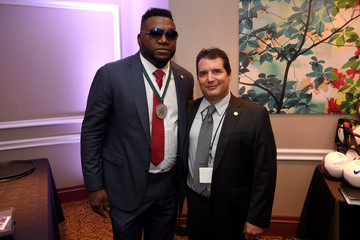 David Ortiz 32nd Annual Great Sports Legends Dinner to Benefit the Miami Project/Buoniconti Fund To Cure Paralysis - Legends Reception
