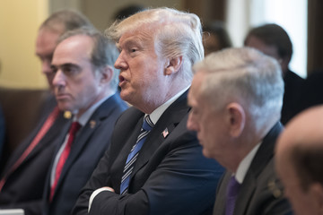 David Shulkin Trump Holds A Meeting With Members Of His Cabinet