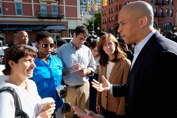 Dawn Zimmer Corey Booker Thanks Constituents After Winning Primary