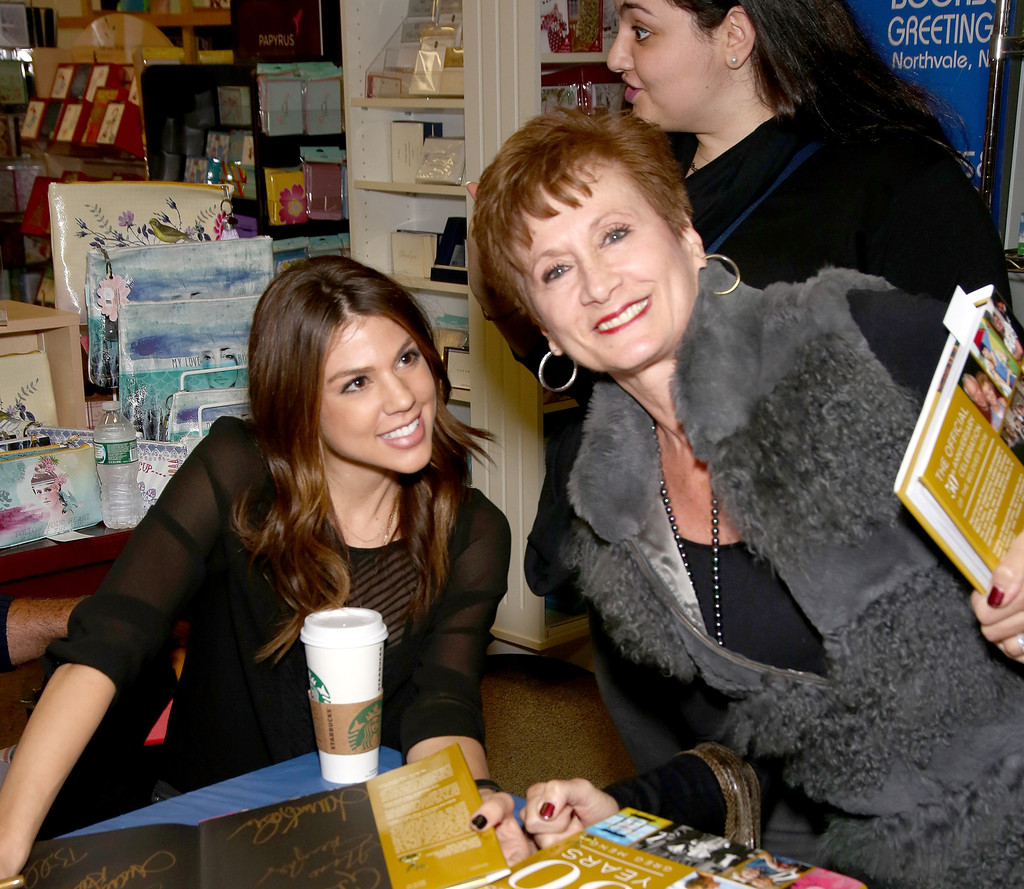 Kate Mansi Photos Photos Days Of Our Lives Book Signing Books