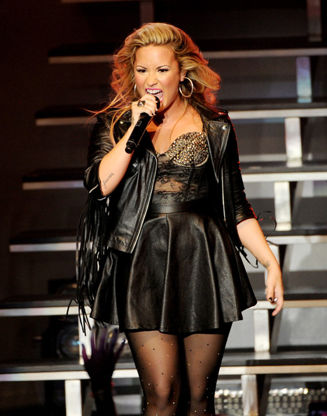 Demi Lovato - Demi Lovato, Owl City And Neon Hitch Perform At The Greek Theatre