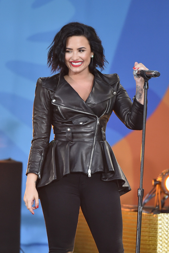 Good Morning America How Are Ya : Demi lovato performs on abc s good morning america of