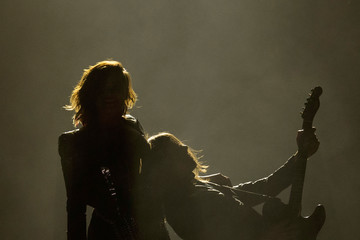 Demi Lovato Performances at the Staples Center