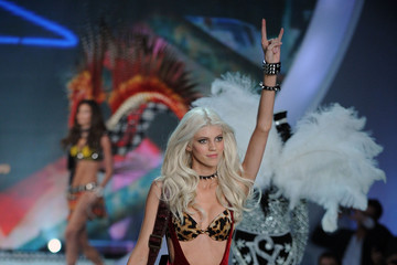 Devon Windsor The Victoria's Secret Fashion Show