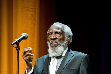 2002 : Dick Gregory Speaks at MSU