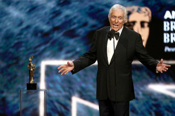 Dick Van Dyke 2017 AMD British Academy Britannia Awards Presented by American Airlines and Jaguar Land Rover - Show