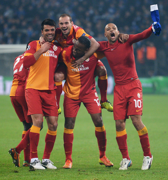 Champions League 2019 Round Of 16 Leg 2 Live Stream Tv: Didier Drogba And Wesley Sneijder Photos Photos