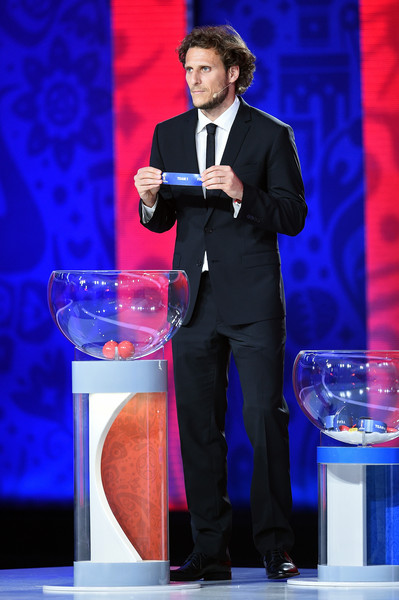Preliminary Draw of the 2018 FIFA World Cup in Russia [speech,event,public speaking,suit,performance,formal wear,orator,television presenter,talent show,convention,diego forlan,draw,south american zone draw,russia,saint petersburg,the konstantin palace,2018 fifa world cup]