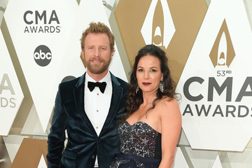 Dierks Bentley The 53rd Annual CMA Awards - Arrivals