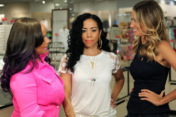Dina Spinale Celebs Stop by the 'Extra' Set