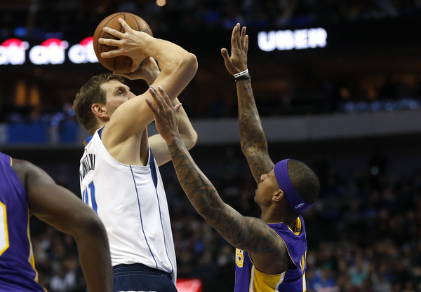 Los Angeles Lakers v Dallas Mavericks