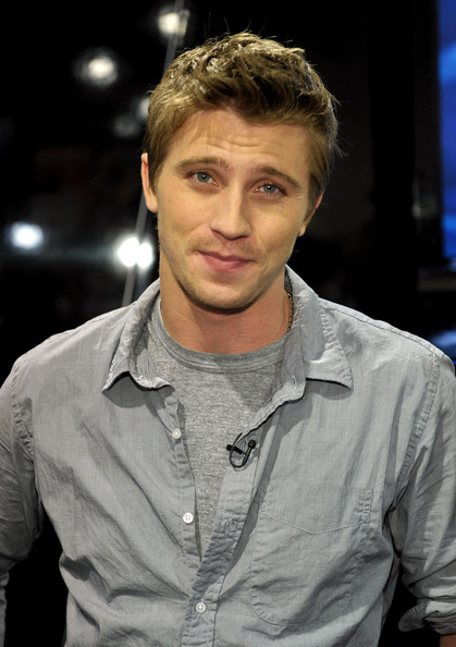 Garrett Hedlund Tron Motorcycle TRON Legacy photo 3