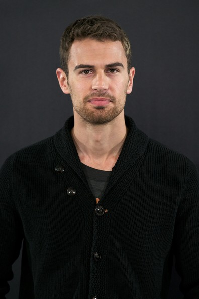 Theo James in 'Divergent' Photo Call in Madrid - Zimbio