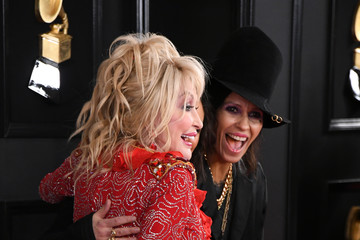 Dolly Parton Linda Perry 61st Annual Grammy Awards - Arrivals