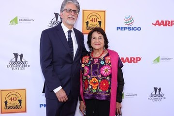 Dolores Huerta Bruce Goldstein Farmworker Justice – Los Angeles Awards To Recognize Social Justice Leaders And Hispanic Heritage Month