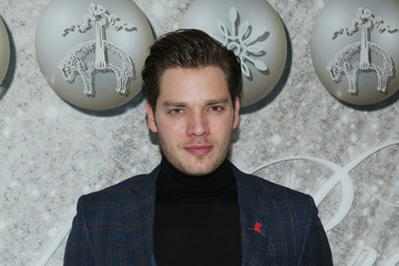 Dominic Sherwood Brooks Brothers Annual Holiday Celebration To Benefit St. Jude - Arrivals