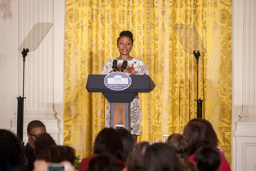 Dominique Dawes Michell Obama Hosts Leading Online Parenting Voices at White House