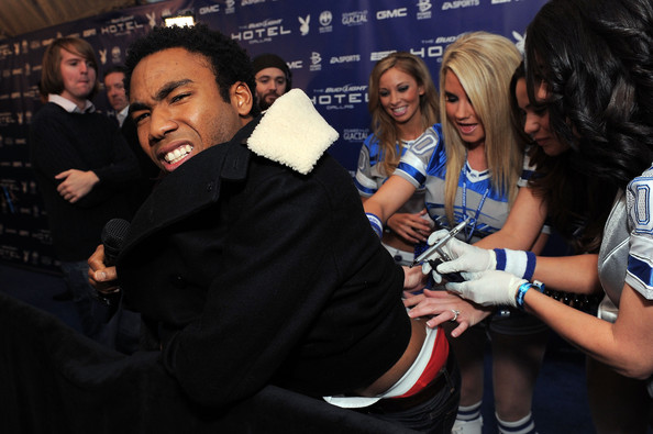 """glover dating site Childish gambino professes his love for jhene aiko vixen caught up with the nyc-educated funnyman for a much-needed oprah session glover was candid, cross-legged, and much cuter in person as he discussed about his already-anticipated sophomore lp, his crush-y """"collab"""" with jhene aiko  [more ."""