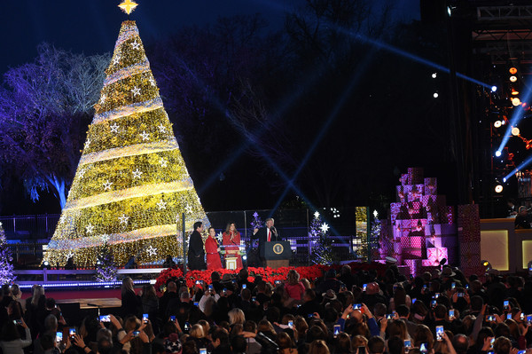 President And Mrs Trump Attend National Christmas Tree Lighting Ceremony & Donald Trump and Us the Duo Photos Photos - President And Mrs Trump ...