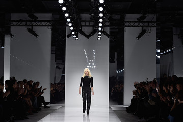 Donatella Versace Versace : Runway - Paris Fashion Week - Haute Couture Spring Summer 2016