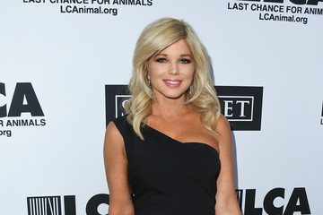 Donna D'errico Last Chance For Animals' Hosts Annual Celebrity Benefit