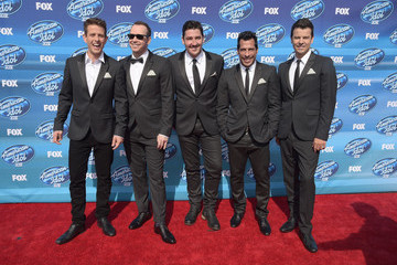 Donnie Wahlberg Danny Wood 'American Idol' XIV Grand Finale - Arrivals