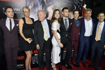 Douglas Booth Hailee Steinfeld 'Romeo and Juliet' Premieres in Hollywood — Part 4
