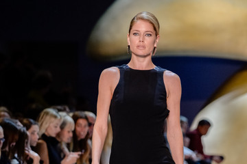 Doutzen Kroes Mugler : Runway - Paris Fashion Week Womenswear Spring/Summer 2016