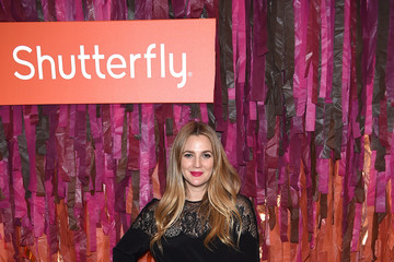 Drew Barrymore Drew Barrymore Launches Shutterfly Holiday Gift Collection at Seasonal Shopping Event