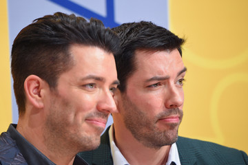 Drew Scott The 50th Annual CMA Awards - Arrivals