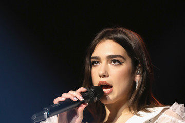 Dua Lipa BBC Radio 1 Teen Awards 2017 - Show