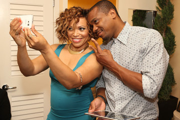 Duane Martin Behind The Scenes Of The Getty Images Portrait Studio Powered By Samsung Galaxy At 2015 Summer TCA's