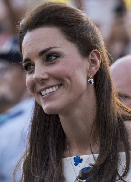 Catherine, Duchess of Cambridge meets well wishers during a walkabout on April 19, 2014 in Brisbane, Australia. The Duke and Duchess of Cambridge are on a three-week tour of Australia and New Zeal on April 19, 2014 in Brisbane, Australia.