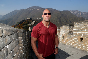 Dwayne Johnson Cast Of Hercules Visit The Great Wall Of China