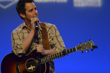Easton Corbin CRS Performances: Day 1
